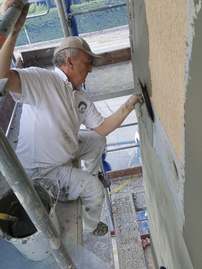 rifacimento parete esterna bolzano20160518 152044Medium 768x1024 - Rifacimento facciata esterna Cantiere Maso Della Pieve Condominio Ambra