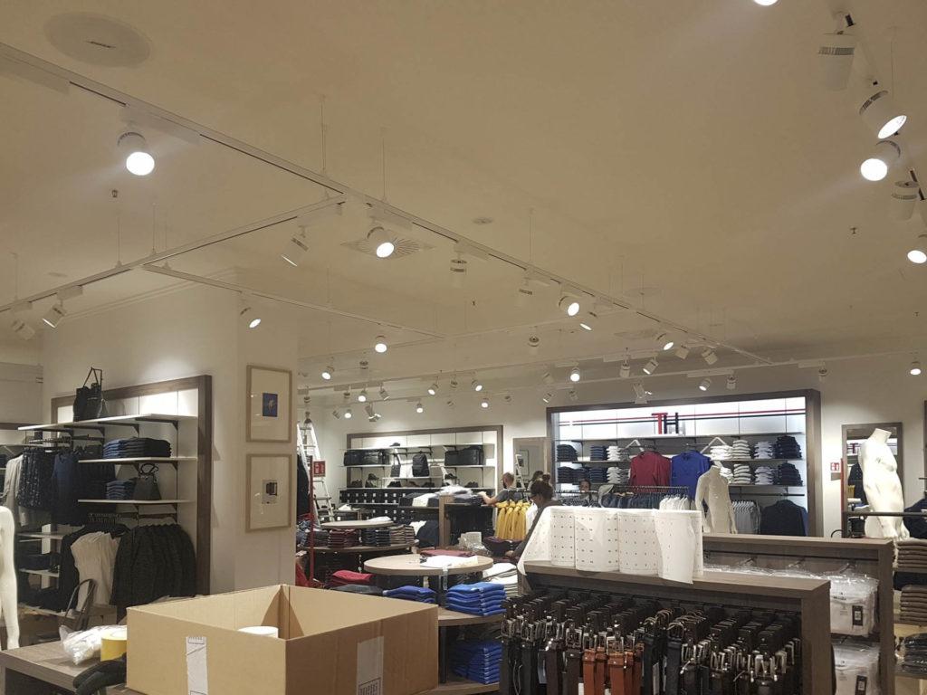 ristrutturazione negozio kalvin klein tommy hilfiger20170913 113441 1024x768 - Ristrutturazione Negozi Tommy Hilfiger e  Calvin Klein