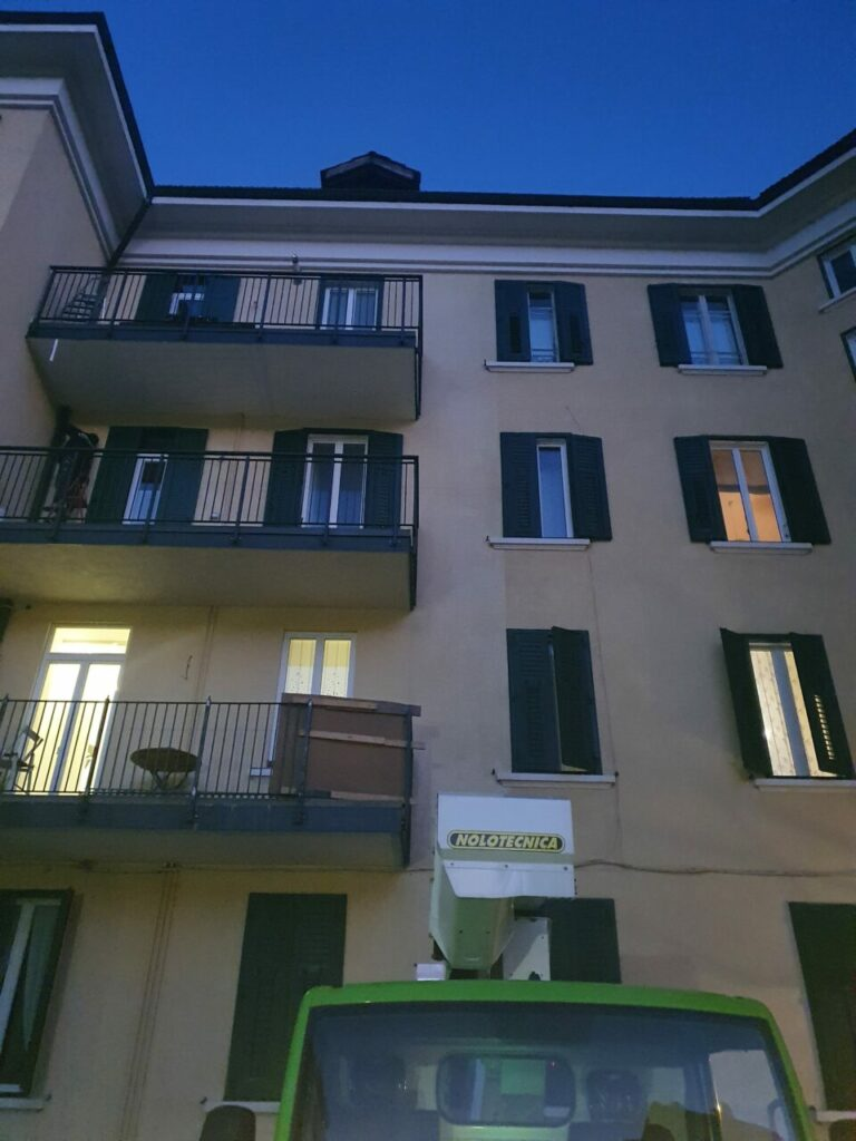 20201218 170033 768x1024 - Baustelle Triestestr. Bozen Balkone